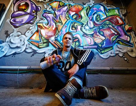 Preben Høyer, Lemvig overvejer graffiti-væg. jeg har talt med ung mand, der dyrker det professionelt. Han har udsmykket værksted i Nørre Nissum